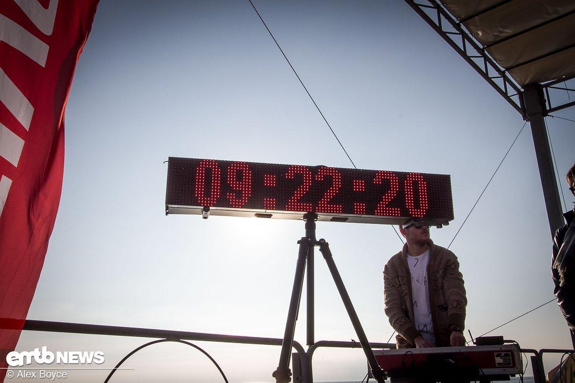 Das Rennen begann genau um 9:30 Uhr.