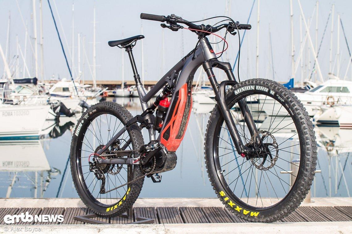 Ein E-Bike von Mountainbikern, für Mountainbiker und eines der spaßigsten Räder die wir je gefahren sind
