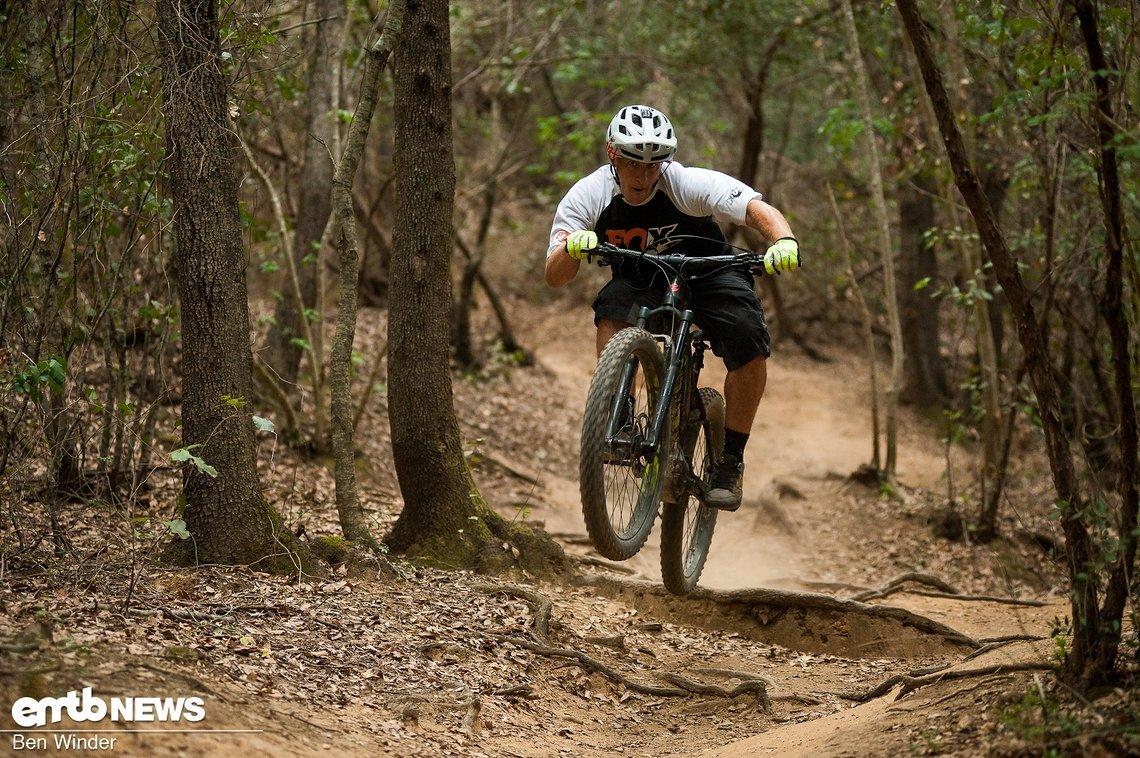 Auf schnellen Trails wie diesem macht das Ghost Hybride Kato FS 6 AL eine Menge Spaß!