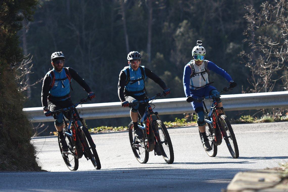 Mit dem E-Bike gehts leichten hinauf zu den Trails