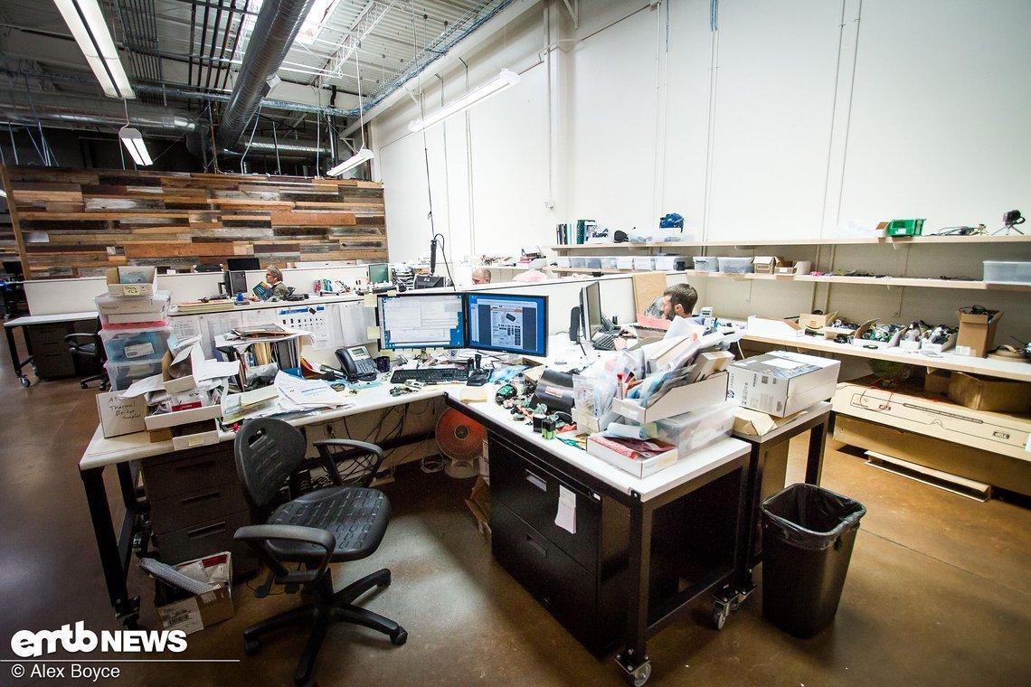 Die Ingenieure suchen immer nach neuen Ideen und verbringen hunderte Stunden mit der Entwicklung neuer Produkte