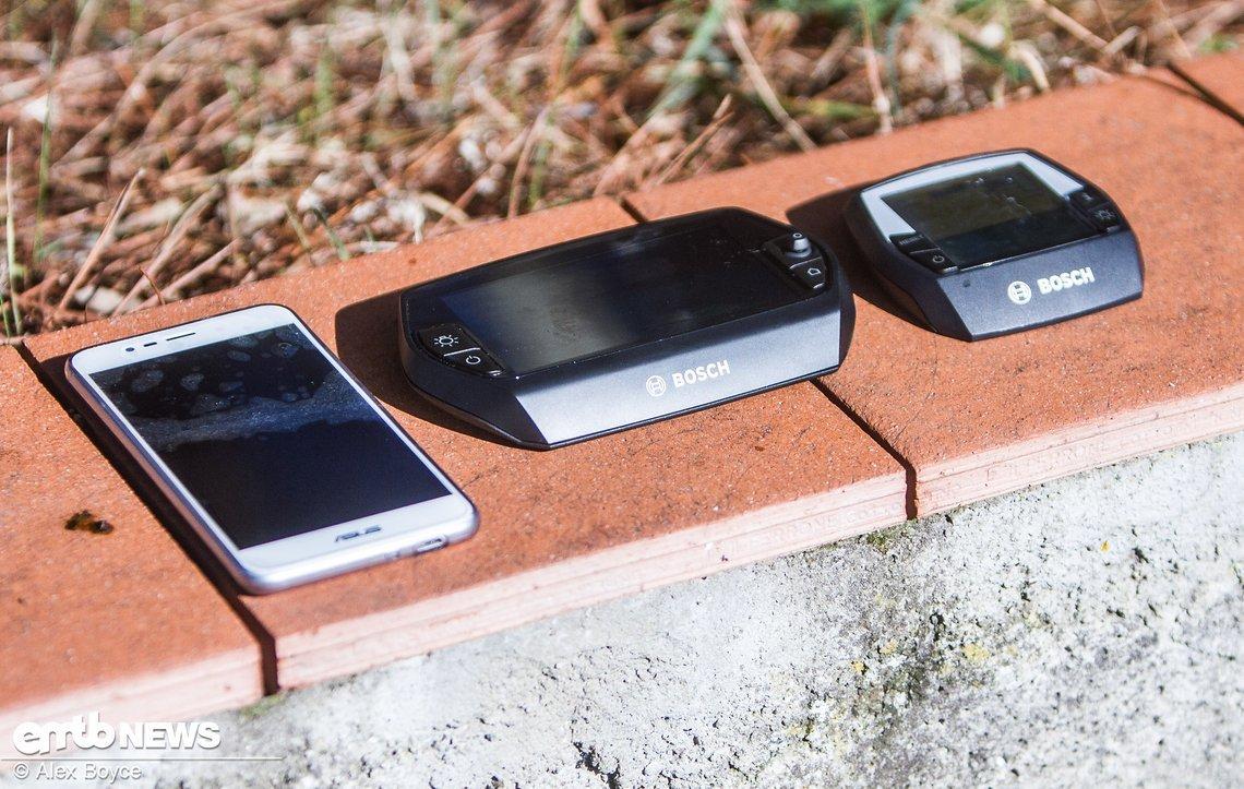 Größenvergleich: Smartphone, Bosch Nyon, Bosch Intuvia