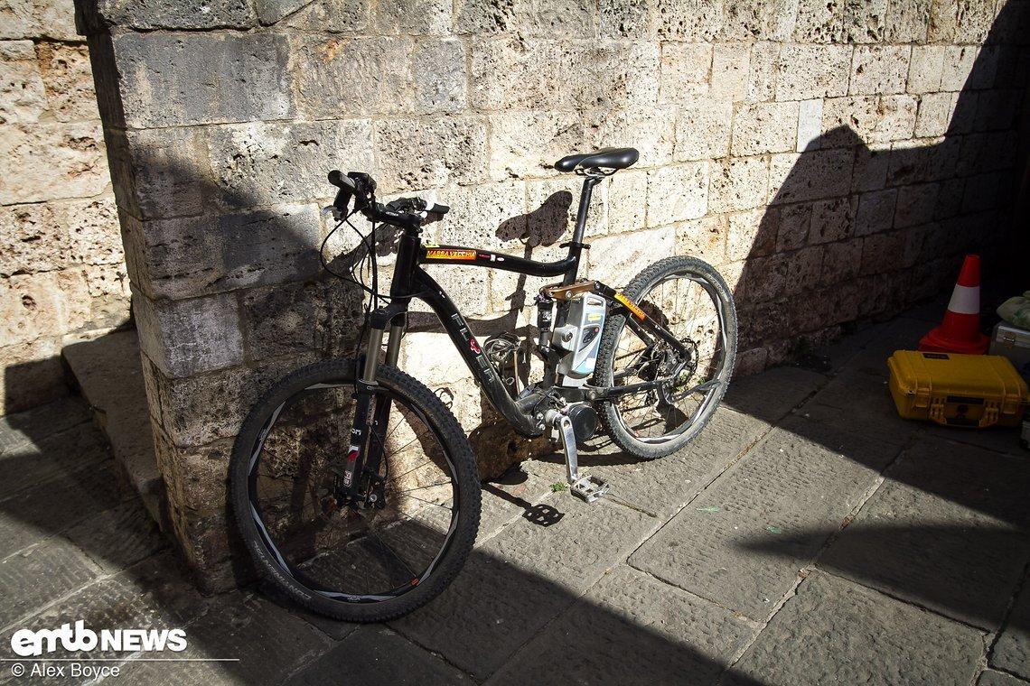 Damit begann es für euren Redakteur in 2010, mit diesem Bike.