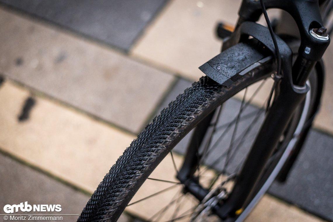 Die Specialized Trigger Sport-Reifen verfügen über reflektierende Karkassen