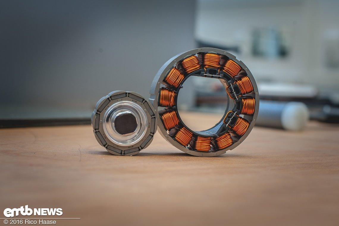 Der 10-polige Magnetkreis im Stern-Joch-Design liefert kurzfristig bis zu 6 Nm Drehmoment