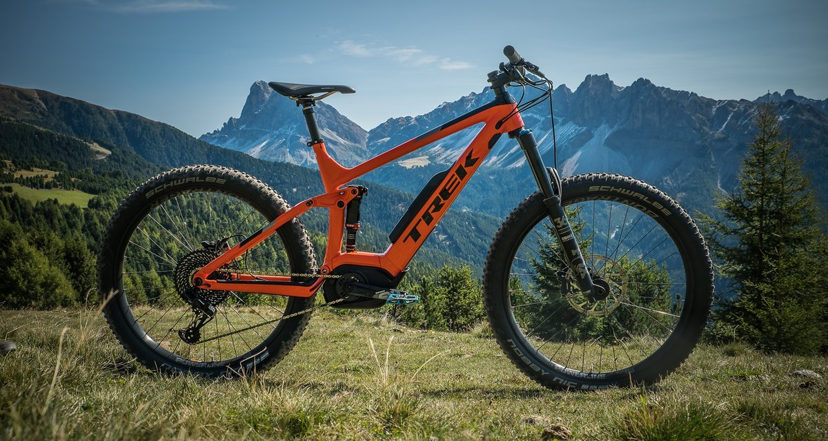d35c6993a66 On Test Trek Powerfly 9 LT Plus – Luminous red ripping down the trail