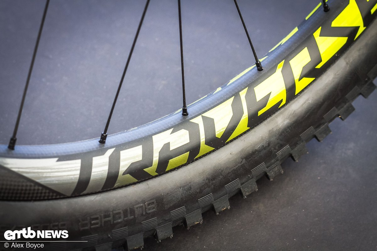 The Roval Traverse, bead-less carbon wheel set.