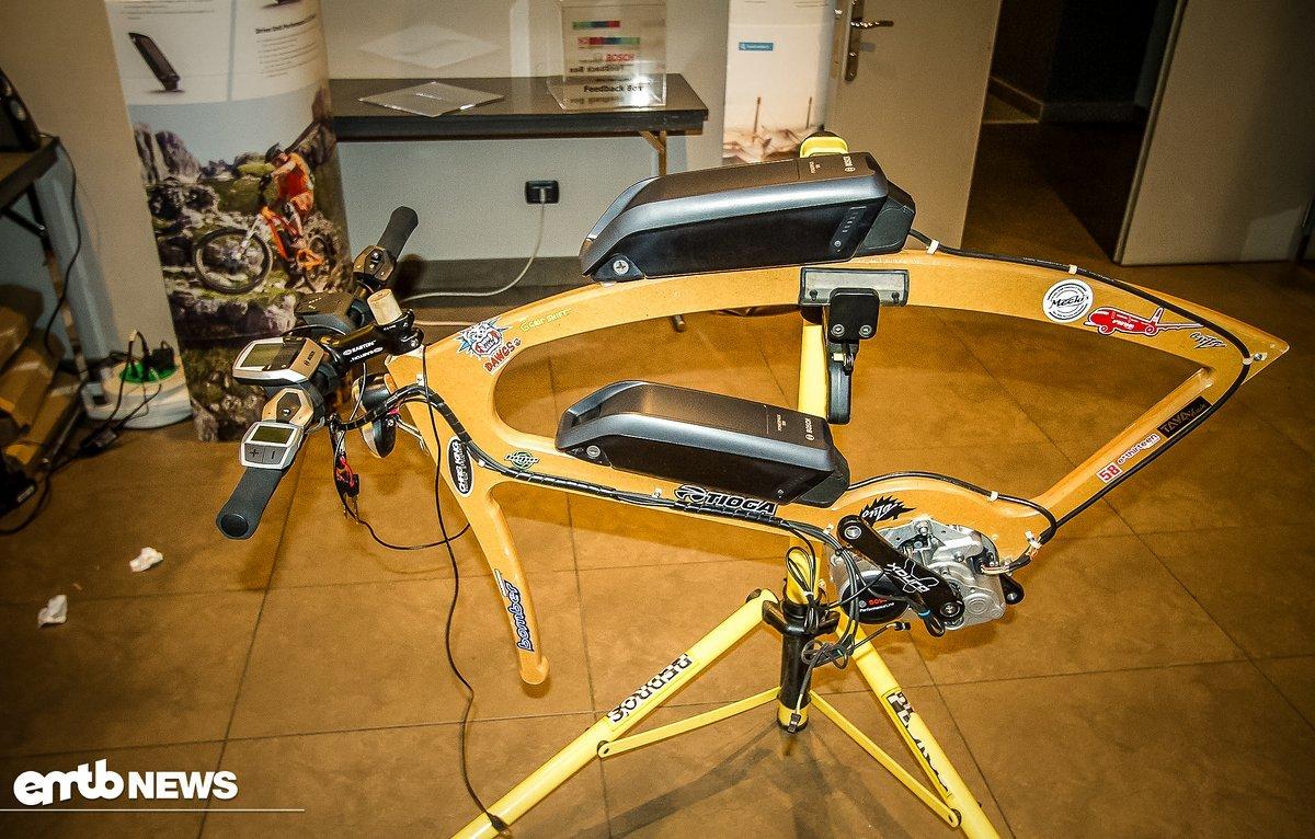 Bosch bietet nun ein System mit zwei Akkus an, welches hier auf einem Testrahmen montiert ist und die effektive Reichweite verdoppeln soll