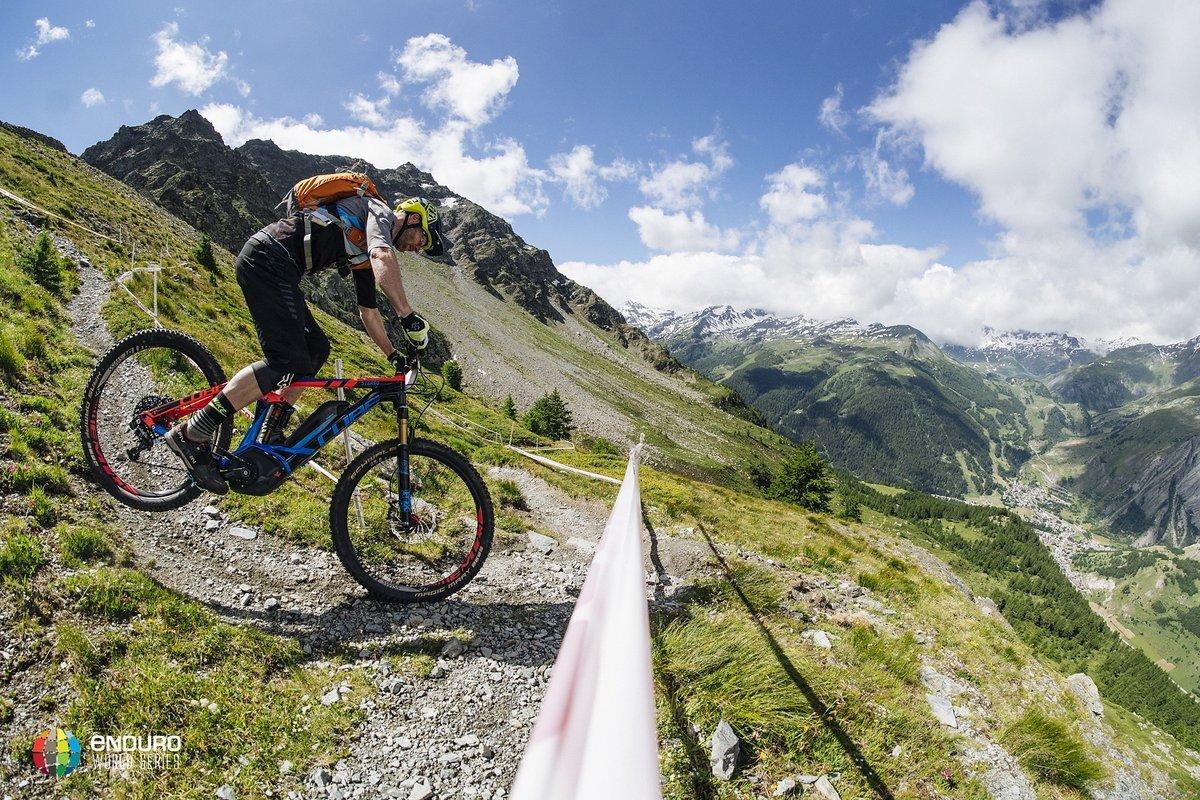 Auch so mancher Enduro-Profi ist von E-Bikes begeistert