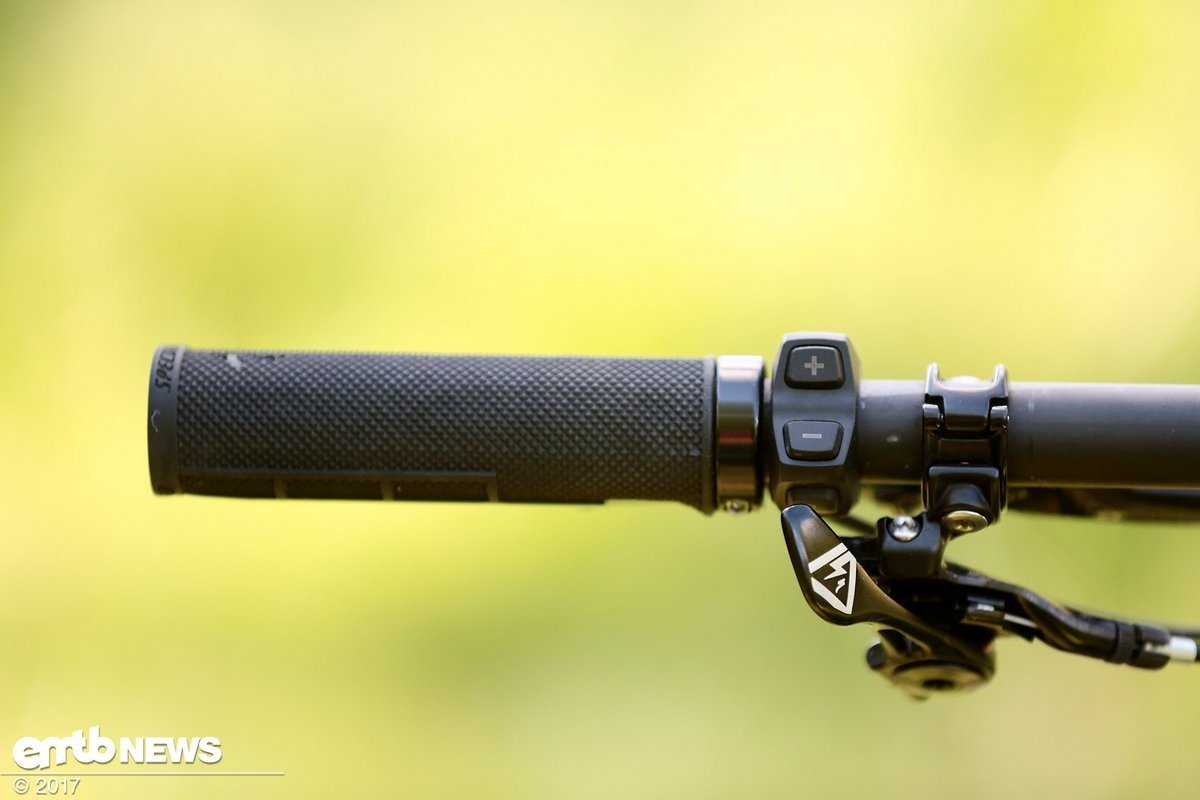The new Levo is finally fitted with a motor control unit on the handlebars