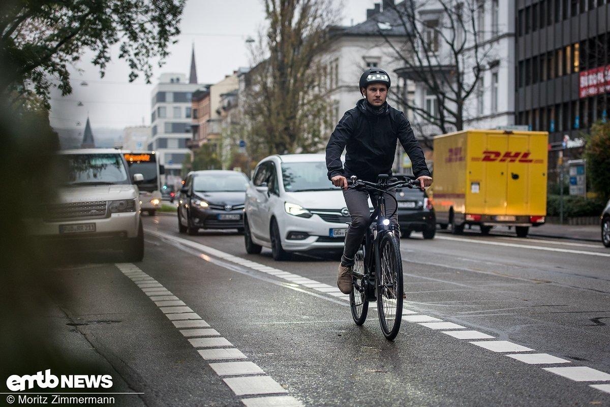 Kinderleicht über 25 km/h beschleunigen zu können erleichtert die Fortbewegung im Straßenverkehr erheblich