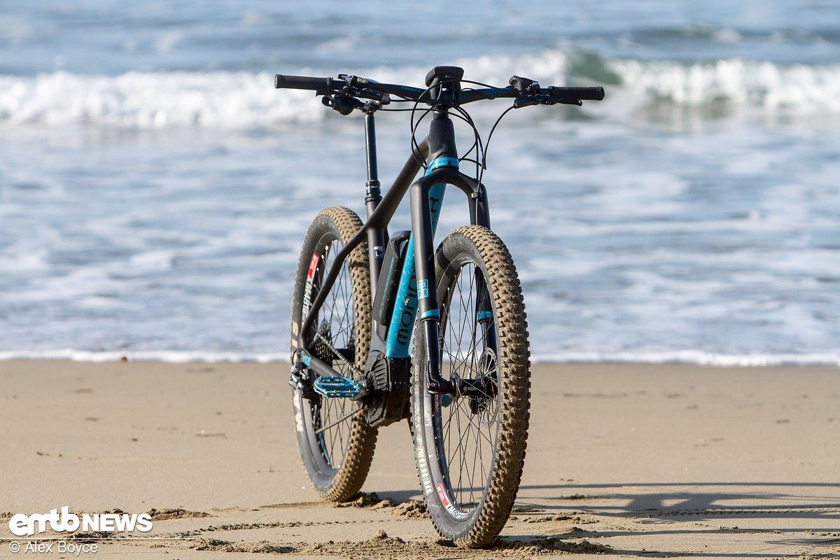 Mondraker e-Prime am Strand