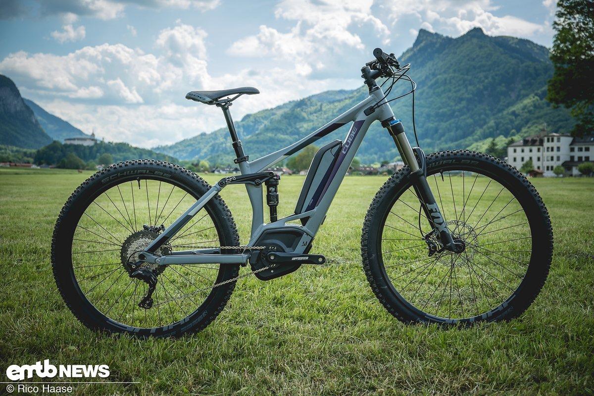 Das Cube Sting WLS Hybrid 140 SL 500 ist ein sehr potentes, optisch ansprechendes E-Trailbike für Frauen