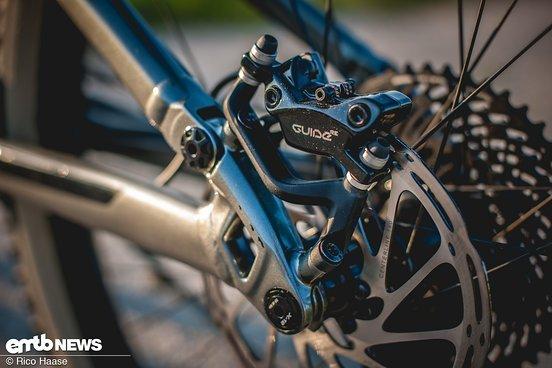 SRAM Guide Bremsen sorgen für die notwendige Brems-Performance