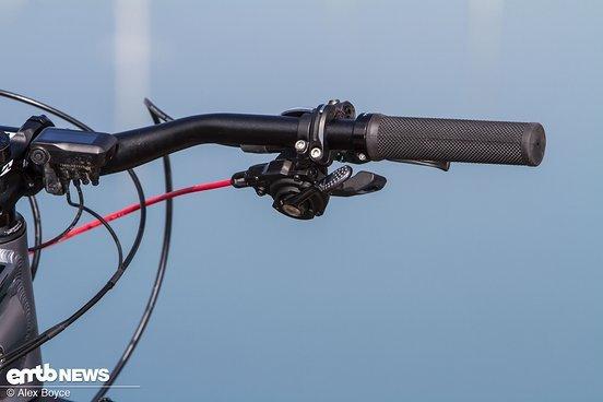 Von Haus aus kommt das Rad mit der mechanischen Shimano XT-Schaltung