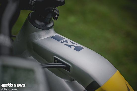 Neat internal cable routing