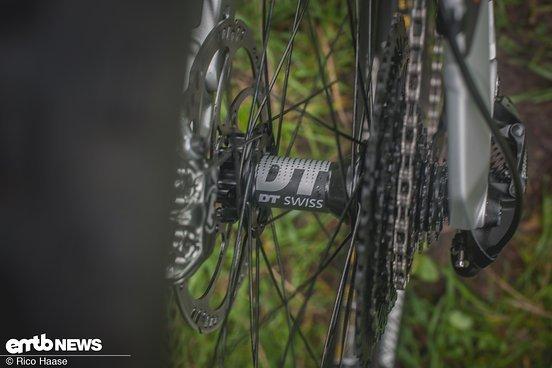 Die Laufräder stammen aus dem Hause DT Swiss.