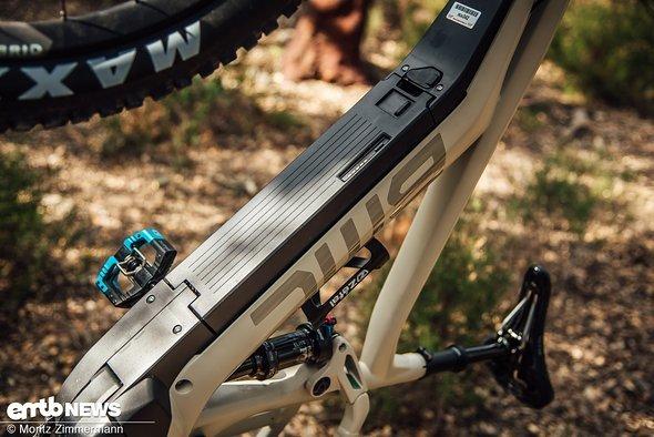 Auch am BMC Trailfox AMP ONE wird der Shimano-Akku von unten ein- und ausgebaut
