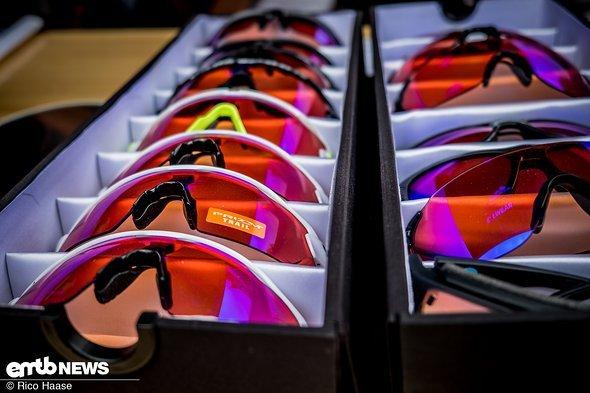 Adidas hatte einige bunte Brillen im Gepäck