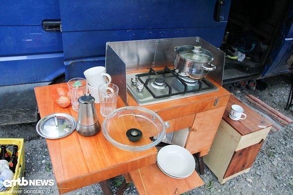 Diese selbstgebaute Campingküche hat so manchen begeistert