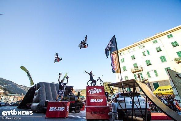 Es gab auch eine Freestyle-Motocross-Show zu bestaunen.