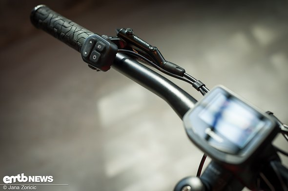 Dank ihrer Kooperation mit Yamaha können Giant den Motor mit ihrer eigenen Fernbedienung …
