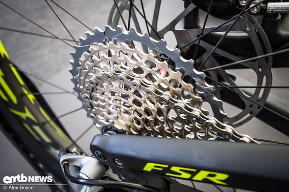 An XX1 cassette on the S-works ensures weight is kept to a minimum.