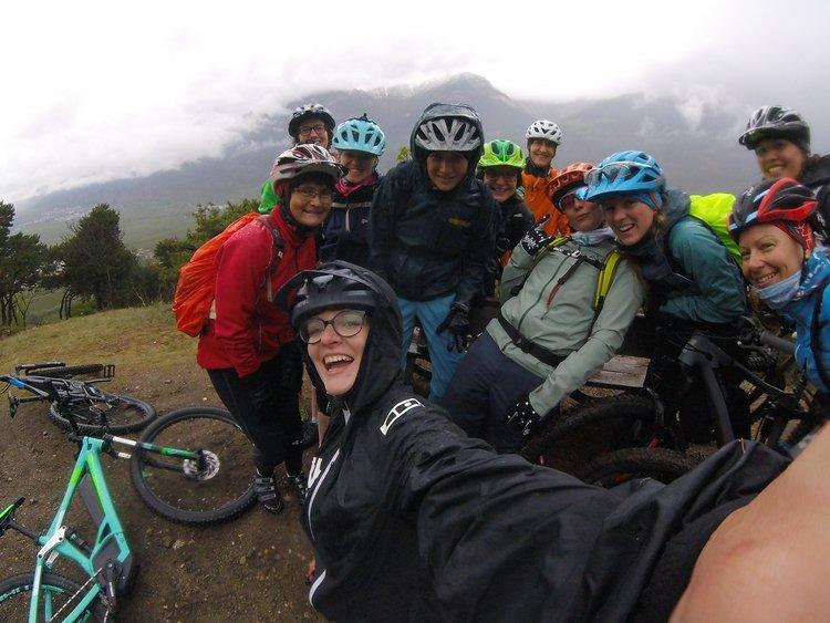 Regen? Kein Problem! Wir hatten trotzdem eine Menge Spaß auf den Trails rund um Latsch