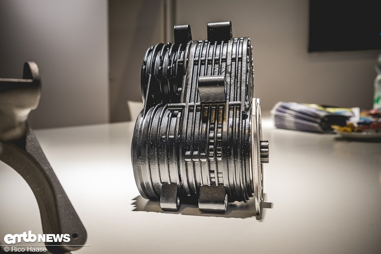 Der Motor wiegt weniger als 3 kg