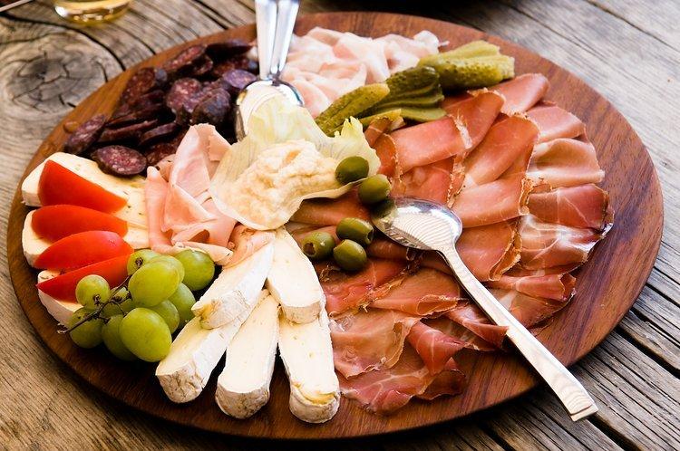 In Bruneck die Spezialitäten von Südtirol genießen